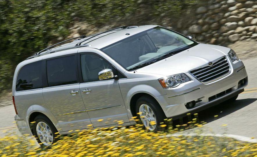 Jeep Wrangler Unlimited EV, Jeep Patriot EV, Chrysler Town & Country EV, and Dodge Circuit EV concepts - Slide 27