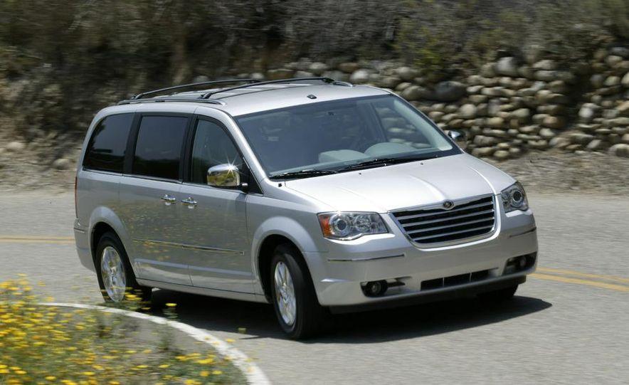 Jeep Wrangler Unlimited EV, Jeep Patriot EV, Chrysler Town & Country EV, and Dodge Circuit EV concepts - Slide 28