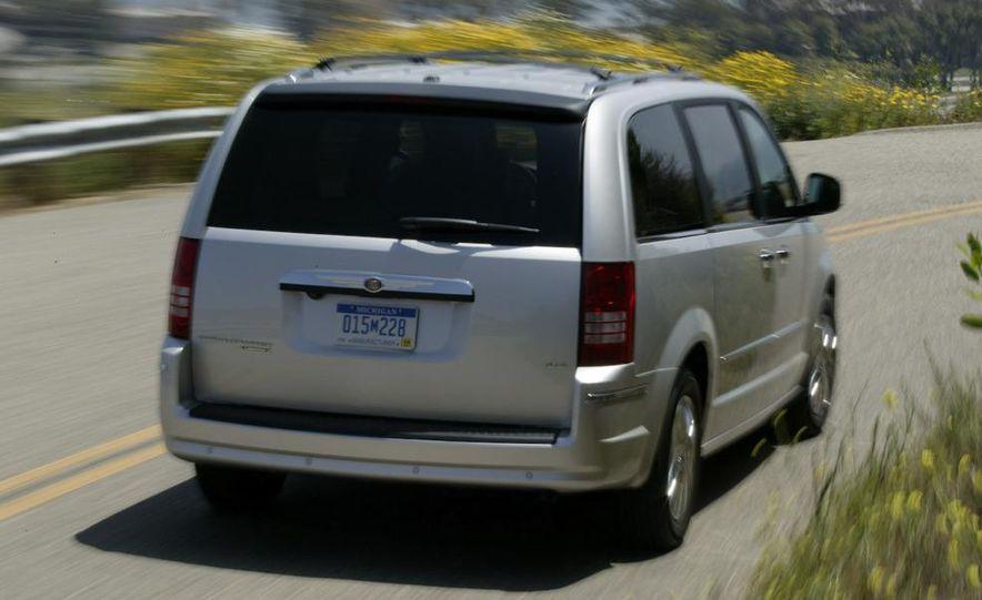 Jeep Wrangler Unlimited EV, Jeep Patriot EV, Chrysler Town & Country EV, and Dodge Circuit EV concepts - Slide 29