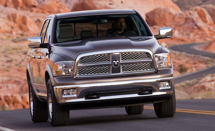 Jeep Wrangler Unlimited EV, Jeep Patriot EV, Chrysler Town & Country EV, and Dodge Circuit EV concepts - Slide 21