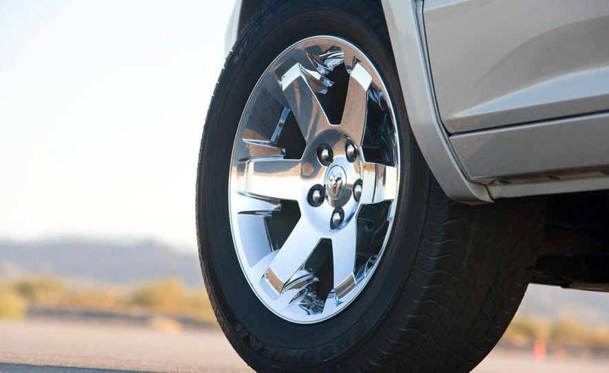 Jeep Wrangler Unlimited EV, Jeep Patriot EV, Chrysler Town & Country EV, and Dodge Circuit EV concepts - Slide 15