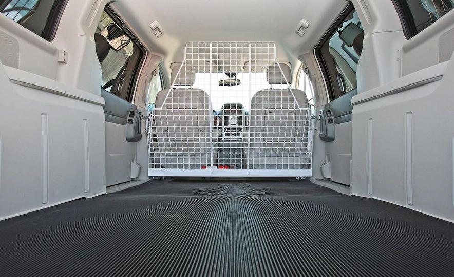 Jeep Wrangler Unlimited EV, Jeep Patriot EV, Chrysler Town & Country EV, and Dodge Circuit EV concepts - Slide 43