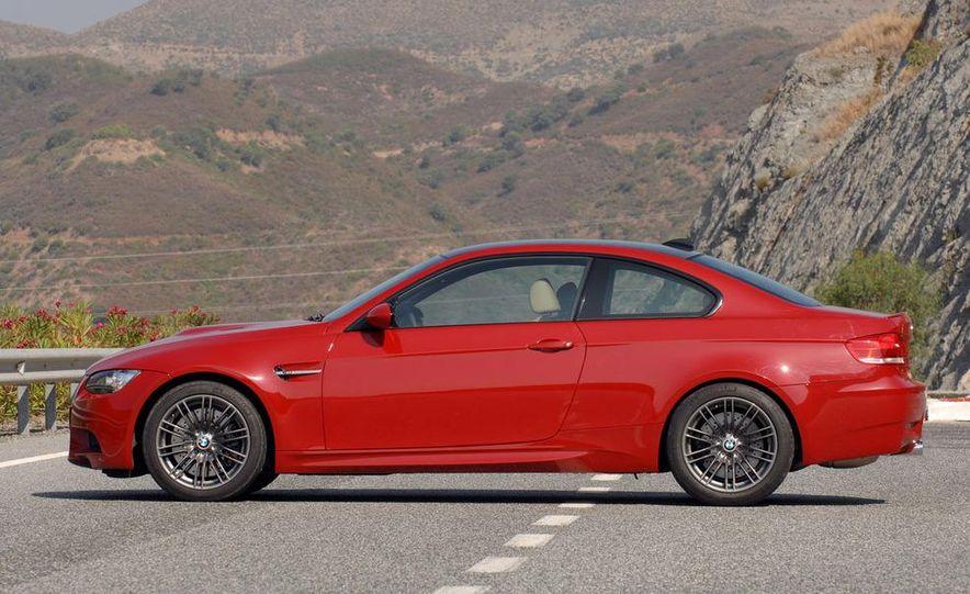 2008 BMW M3 coupe 4.0-liter V-8 engine - Slide 3