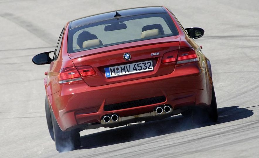 2008 BMW M3 coupe 4.0-liter V-8 engine - Slide 9