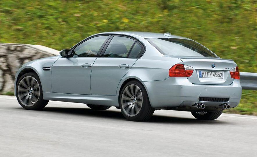 2008 BMW M3 coupe 4.0-liter V-8 engine - Slide 10