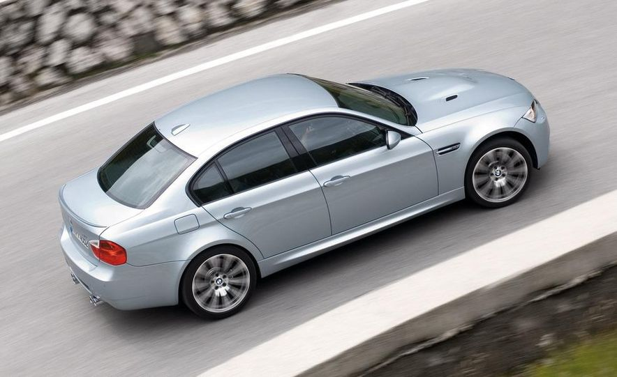 2008 BMW M3 coupe 4.0-liter V-8 engine - Slide 11