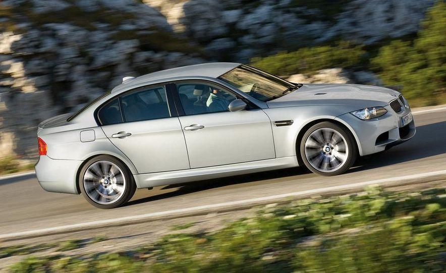 2008 BMW M3 coupe 4.0-liter V-8 engine - Slide 12