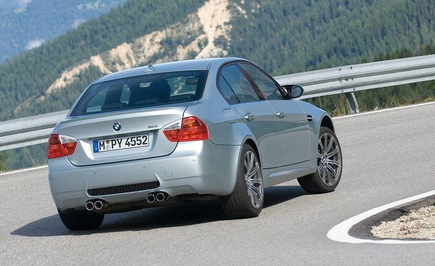 2008 BMW M3 coupe 4.0-liter V-8 engine - Slide 13