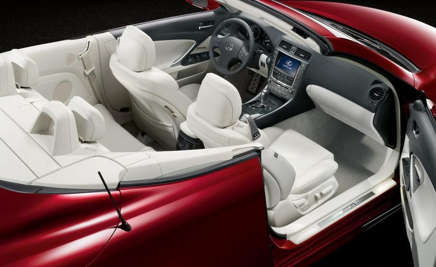 2010 Lexus IS350 C convertible - Slide 18