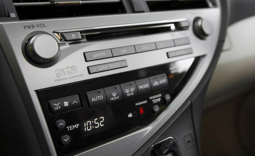 2010 Lexus IS350 C convertible - Slide 10