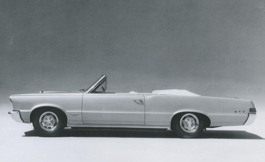 1963 Pontiac LeMans convertible - Slide 28
