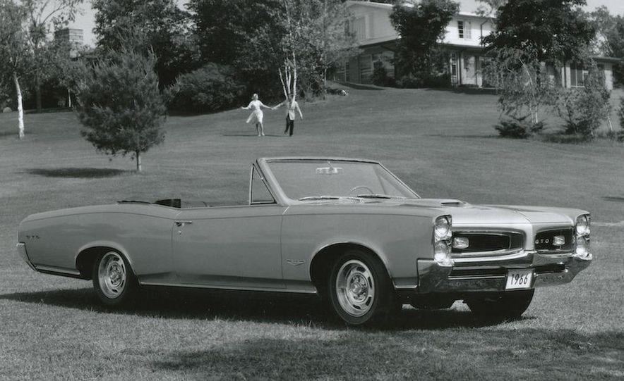 1963 Pontiac LeMans convertible - Slide 24