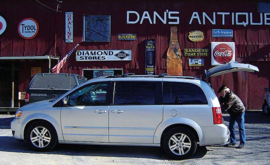 2008 Dodge Grand Caravan SXT - Slide 3