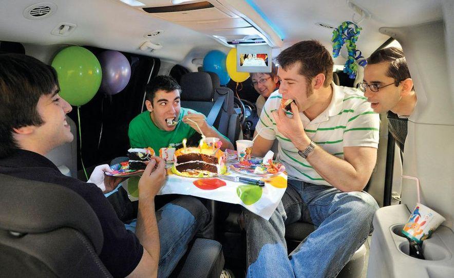 2008 Dodge Grand Caravan SXT - Slide 2
