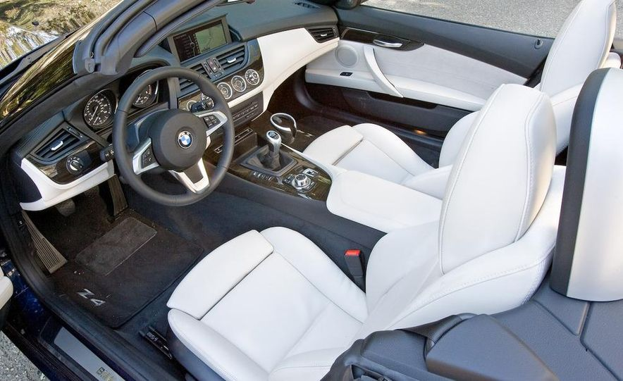 2009 BMW Z4 sDrive35i manual - Slide 23