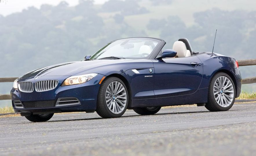 2009 BMW Z4 sDrive35i manual - Slide 10