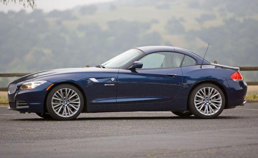 2009 BMW Z4 sDrive35i manual - Slide 19