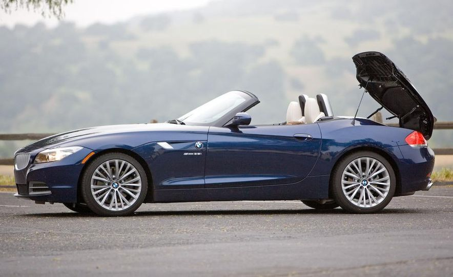 2009 BMW Z4 sDrive35i manual - Slide 14