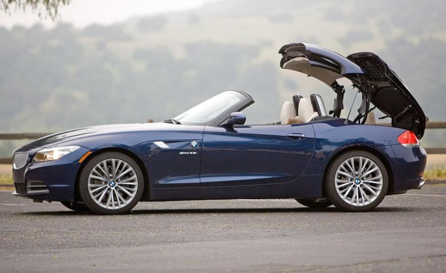 2009 BMW Z4 sDrive35i manual - Slide 15