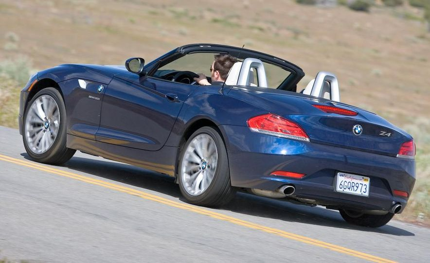2009 BMW Z4 sDrive35i manual - Slide 3
