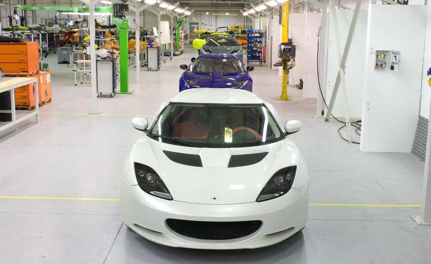 2010 Lotus Evora interior - Slide 13