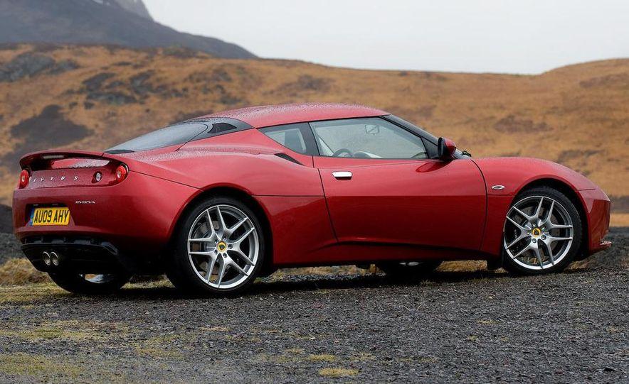 2010 Lotus Evora interior - Slide 5