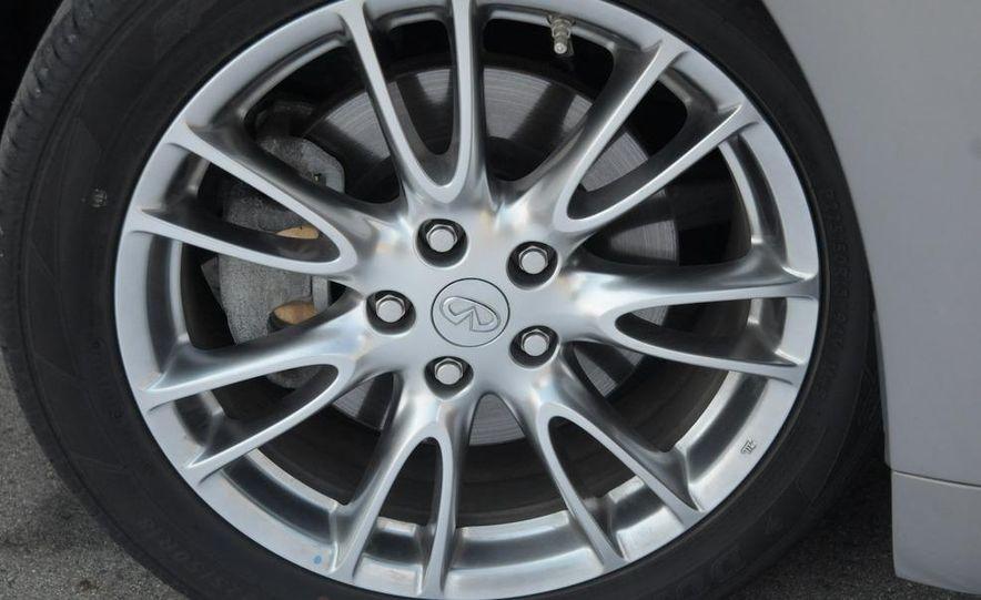 2008 Infiniti G35xS wheel - Slide 1