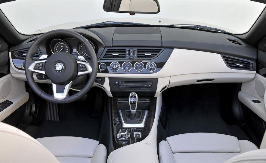 2009 BMW Z4 sDrive35i dual-clutch automatic interior - Slide 1