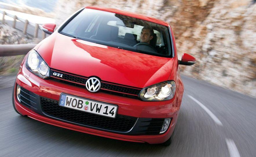 2010 Volkswagen Golf GTI 3-door (European spec) - Slide 8