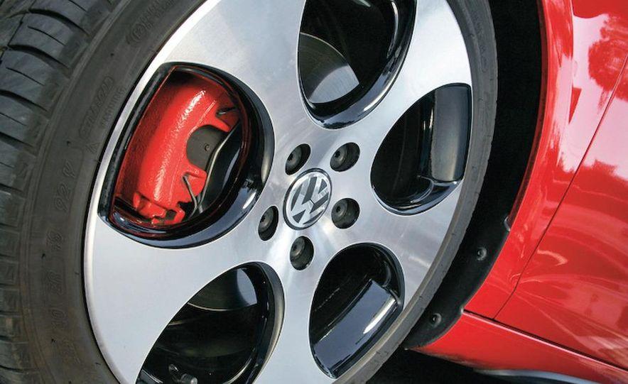 2010 Volkswagen Golf GTI 3-door (European spec) - Slide 14