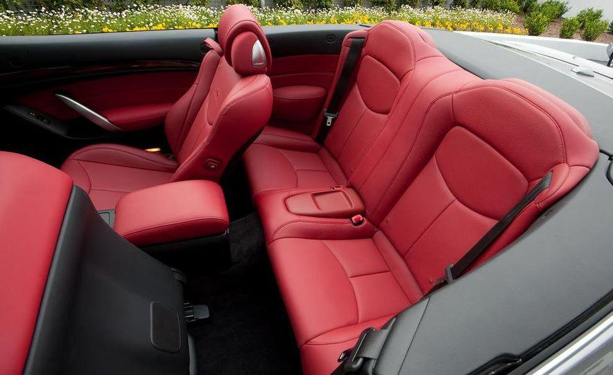 2009 Infiniti G37 convertible - Slide 21
