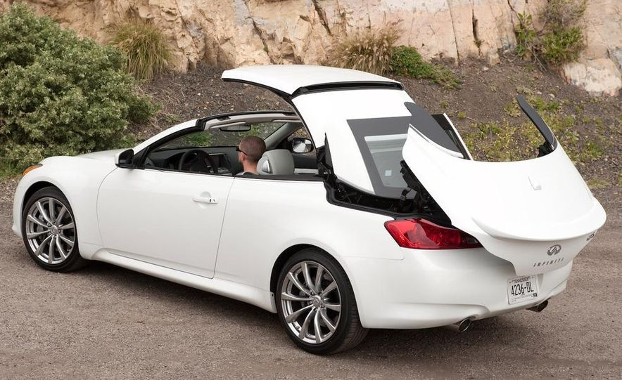 2009 Infiniti G37 convertible - Slide 8