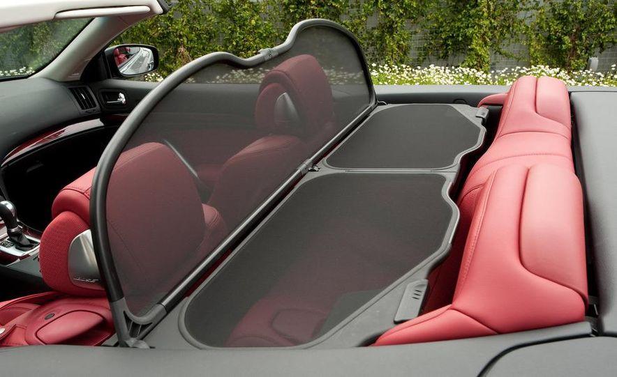 2009 Infiniti G37 convertible - Slide 22