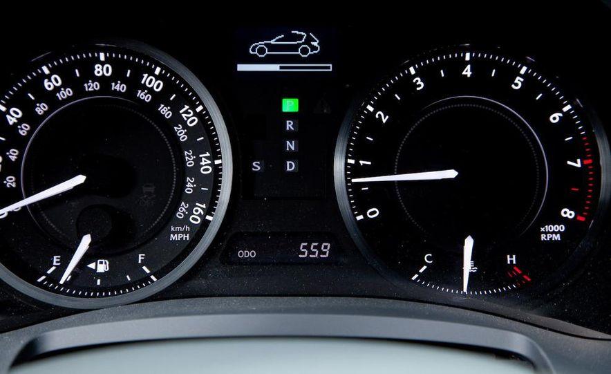 2010 Lexus IS350C - Slide 26