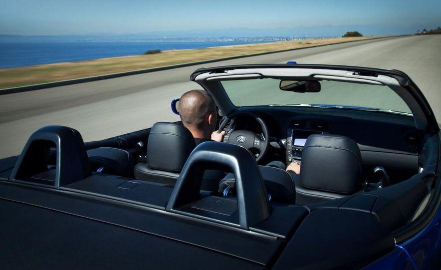 2010 Lexus IS350C - Slide 25
