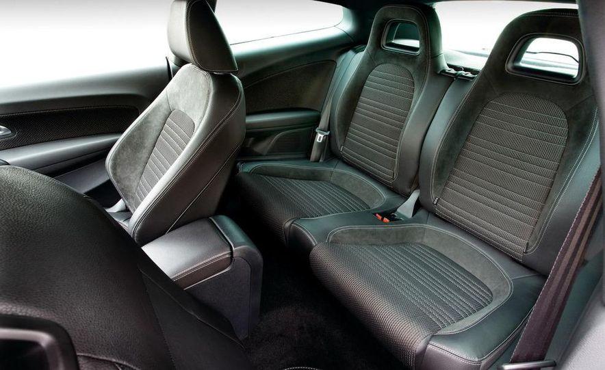 2010 Volkswagen Scirocco R - Slide 42