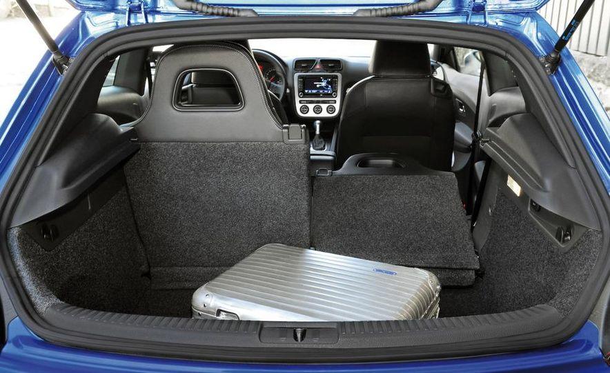 2010 Volkswagen Scirocco R - Slide 54