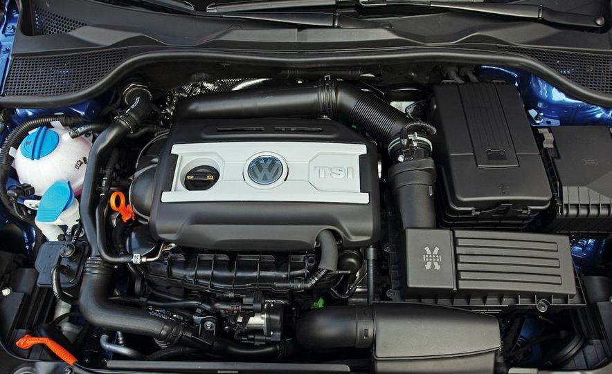 2010 Volkswagen Scirocco R - Slide 38
