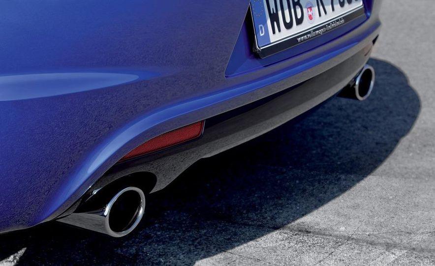 2010 Volkswagen Scirocco R - Slide 32