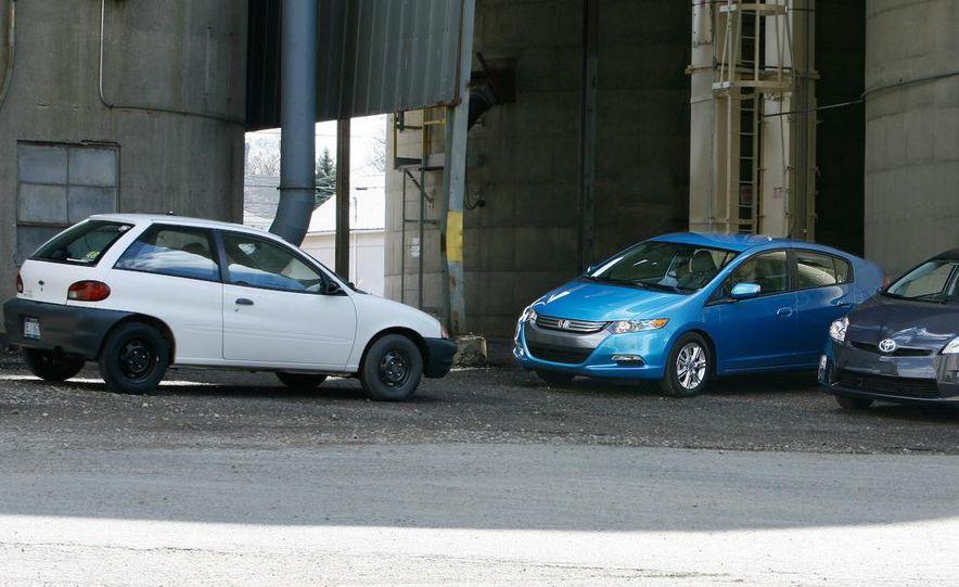1998 Chevrolet Metro, 2010 Toyota Prius, and 2010 Honda Insight - Slide 10
