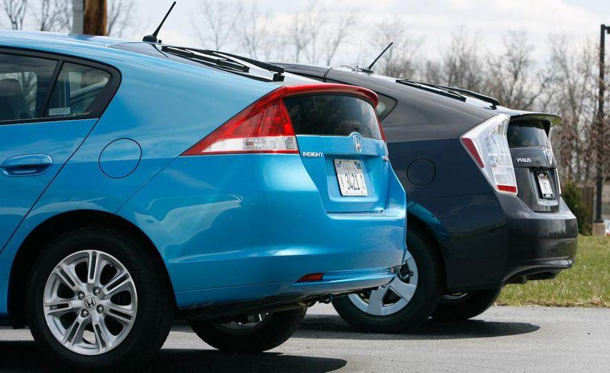 1998 Chevrolet Metro, 2010 Toyota Prius, and 2010 Honda Insight - Slide 7
