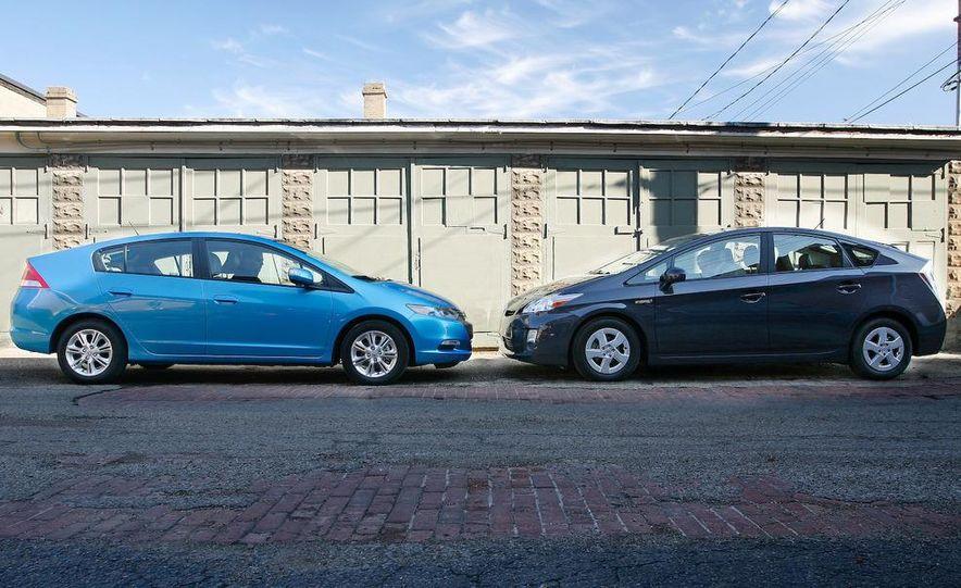 1998 Chevrolet Metro, 2010 Toyota Prius, and 2010 Honda Insight - Slide 13