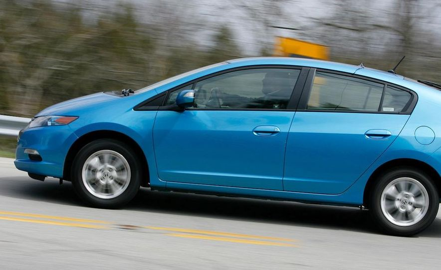 1998 Chevrolet Metro, 2010 Toyota Prius, and 2010 Honda Insight - Slide 22