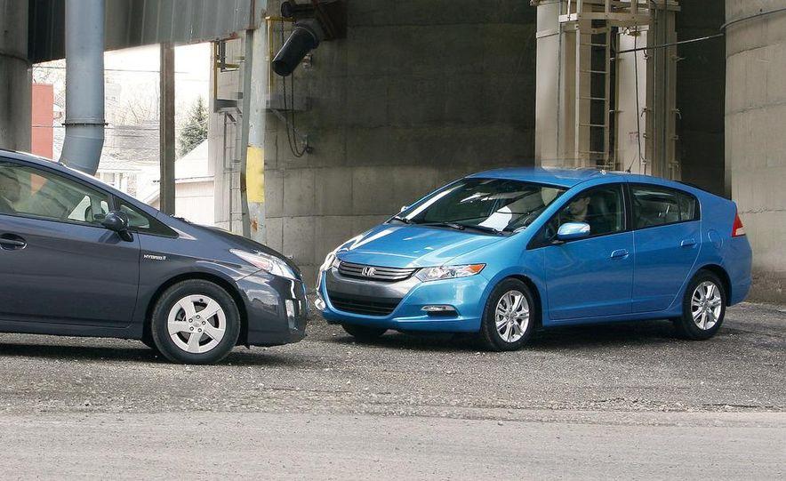 1998 Chevrolet Metro, 2010 Toyota Prius, and 2010 Honda Insight - Slide 15