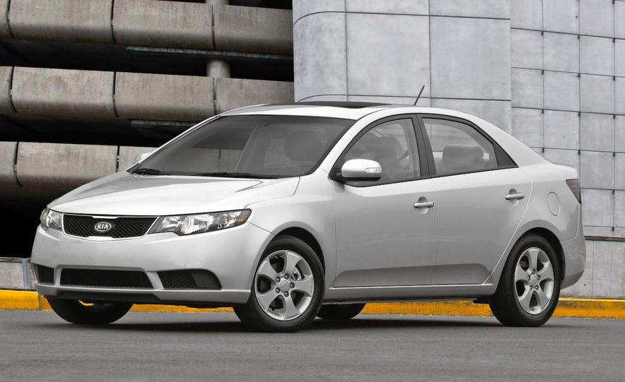 2010 Kia Forte EX sedan - Slide 1