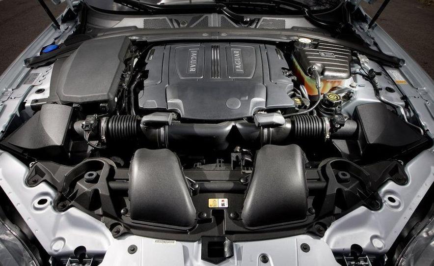 2010 Jaguar XFR - Slide 29