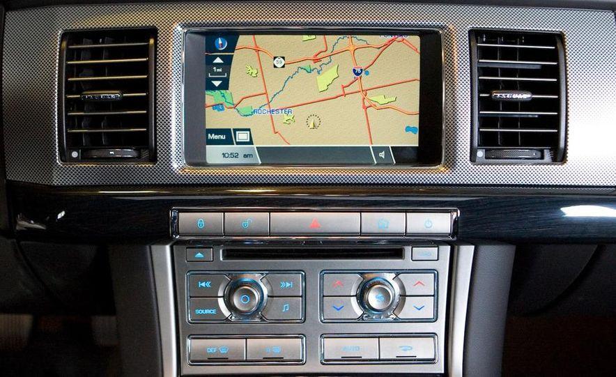 2010 Jaguar XFR - Slide 37