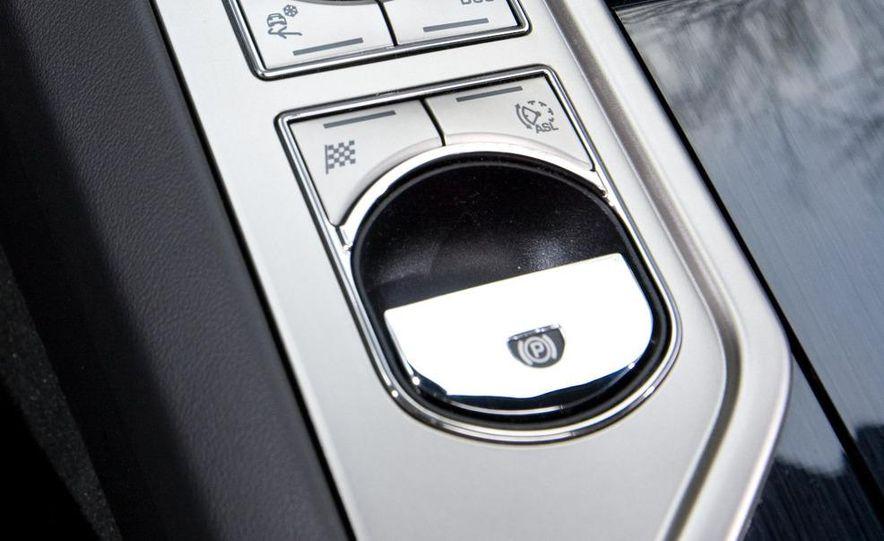 2010 Jaguar XFR - Slide 41