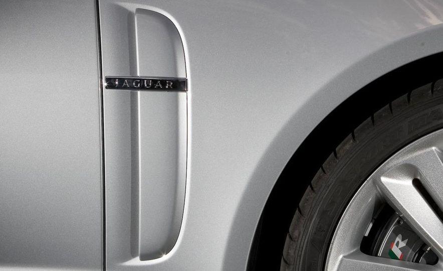 2010 Jaguar XFR - Slide 26