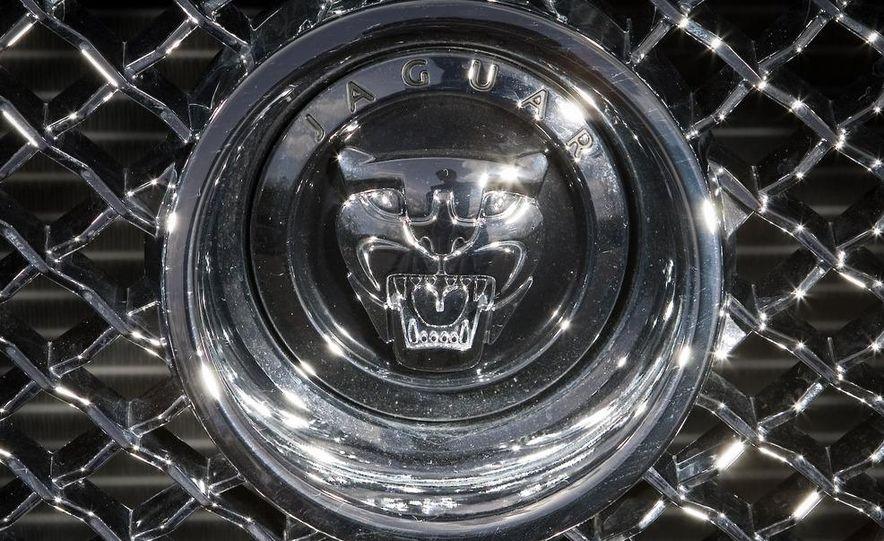 2010 Jaguar XFR - Slide 24